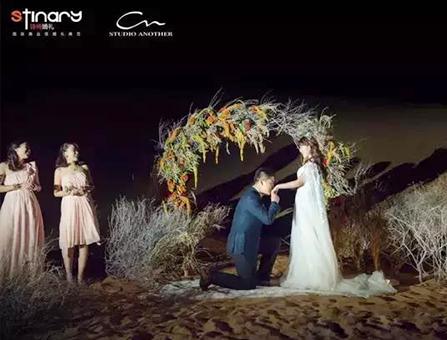 腾格里沙漠中的浪漫求婚